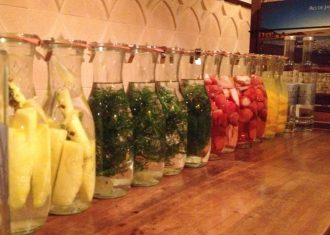 果物やハーブ、スパイスをラム酒に漬けてつくる漬け酒・パンチ Vol.1「漬け酒」